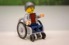 Weltpremiere in auf der Spielwarenmesse: LEGO präsentiert den ersten Rollstuhlfahrer aus der Serie LEGO City